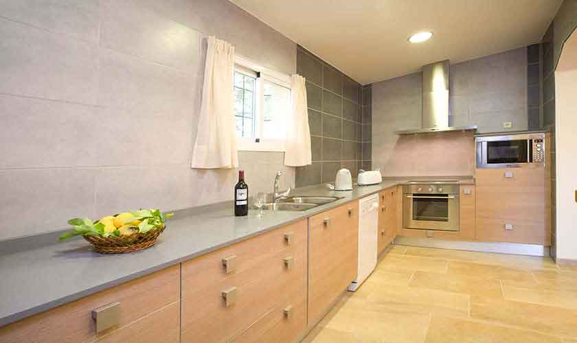 Küche Finca Mallorca für 4 Personen PM 3518