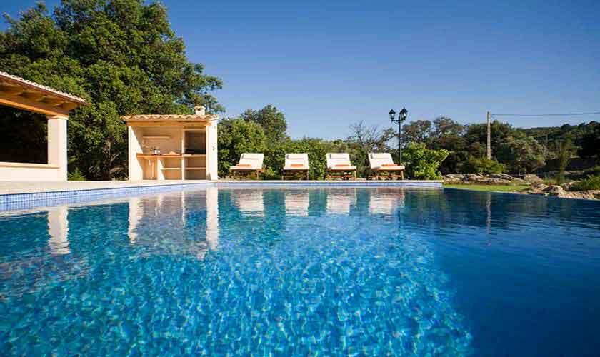 Pool und Liegen Finca Mallorca für 4 Personen PM 3518