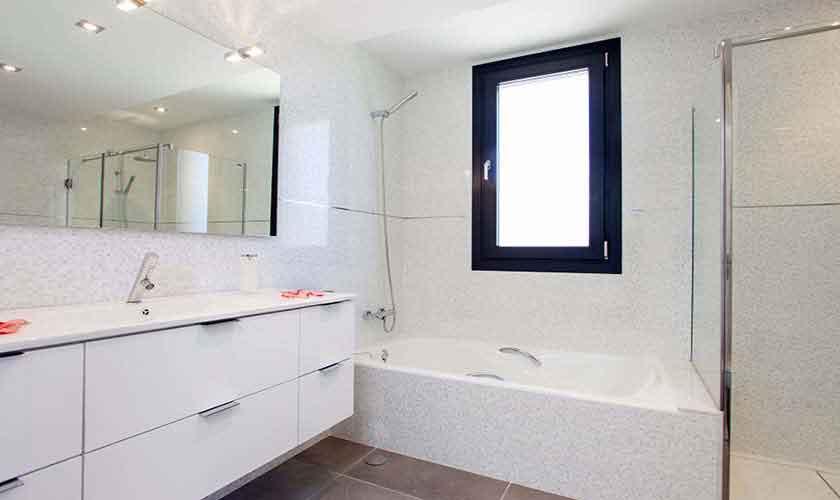 Badezimmer Ferienvilla Mallorca Nordküste PM 3519