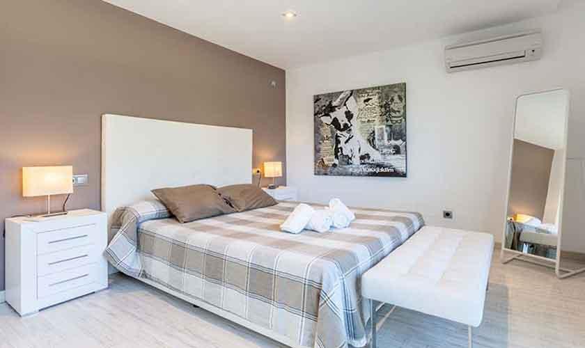 Schlafzimmer Ferienvilla Mallorca Nordküste PM 3519