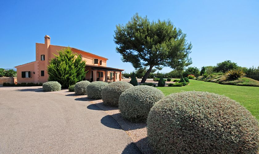 Weg zur Finca Mallorca Pool Internet Klimaanlage PM 3708