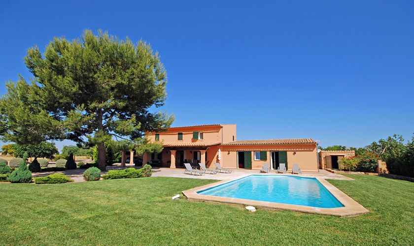 Ferienhaus mit Pool Klimaanlage Garten PM 3708