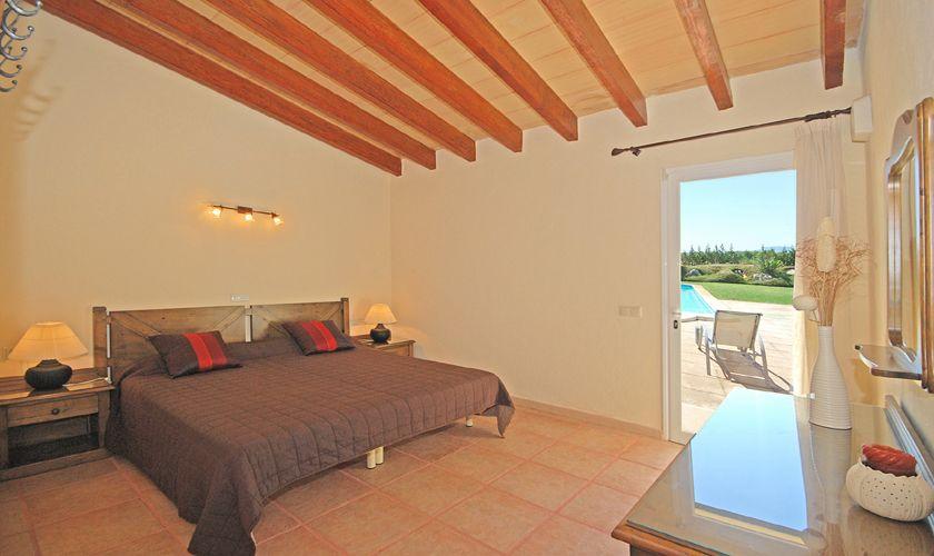 Doppelschlafzimmer Poolfinca Mallorca Internet Klimaanlage PM 3708