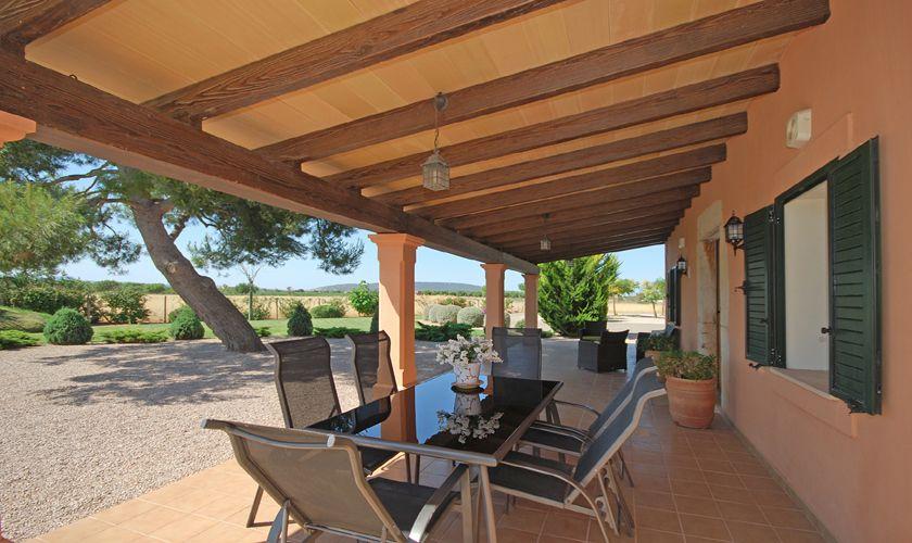 Terrasse mit Esstisch Poolfinca Norden Mallorca PM 3708