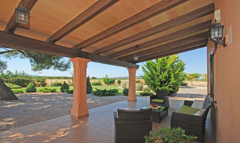 große Terrasse Ferienfinca mit Pool Mallorca Norden PM 3708
