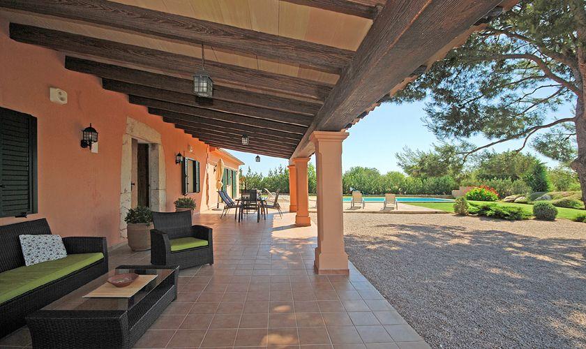 Überdachte Terrasse Ferienhaus Mallorca Pool WLAN Klimaanlage PM 3708