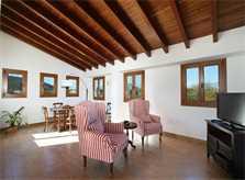 Wohnraum der exklusiven Finca Mallorca Norden PM 370