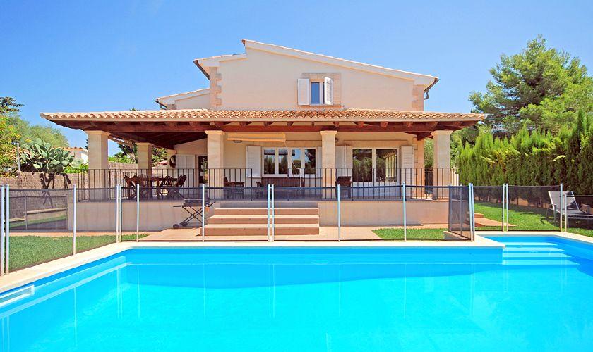 Pool mit Umzäunung und Ferienhaus Mallorca PM 3717