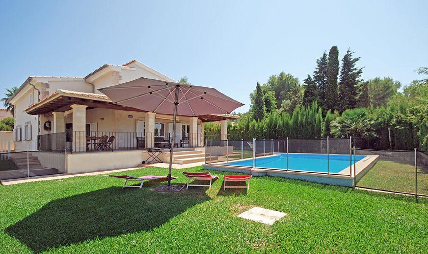 Pool und Garten Ferienhaus Mallorca PM 3717