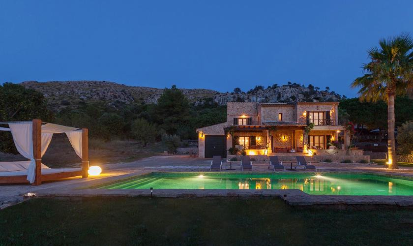 Pool bei Nacht Finca Mallorca für 8 - 10 Personen PM 3727