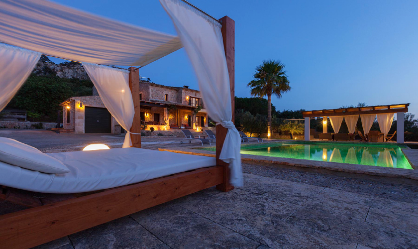 Terrasse bei Nacht Exklusive Finca Mallorca Norden PM 3727