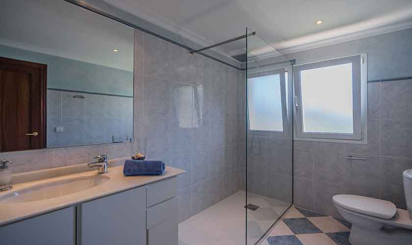 Dusche Ferienvilla Mallorca 8 Personen PM 3741
