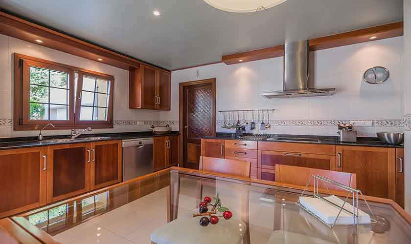 Küche Ferienvilla Mallorca 8 Personen PM 3741