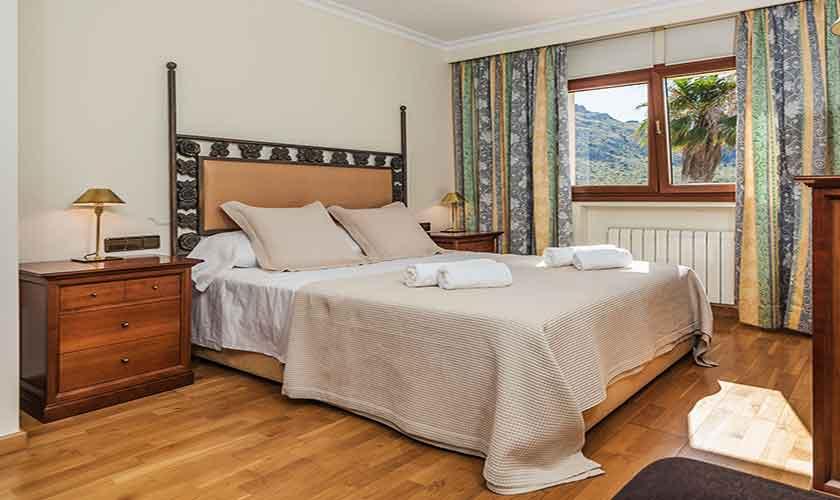 Schlafzimmer Ferienvilla Mallorca 8 Personen PM 3741