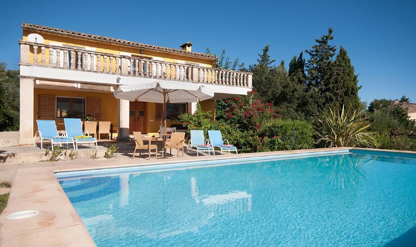 Poolblick und Finca Mallorca mit Pool PM 3744