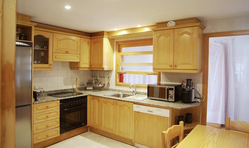 Küche Villa Mallorca PM 3802 für 10 Personen