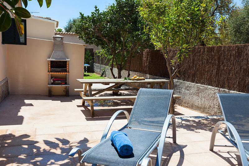 Barbecue und Garten Ferienhaus Mallorca Strandnähe Nordküste PM 3804