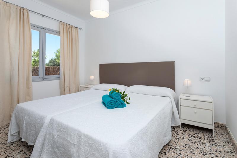 Schlafzimmer Ferienfinca Mallorca Strandnähe Nordküste PM 3804