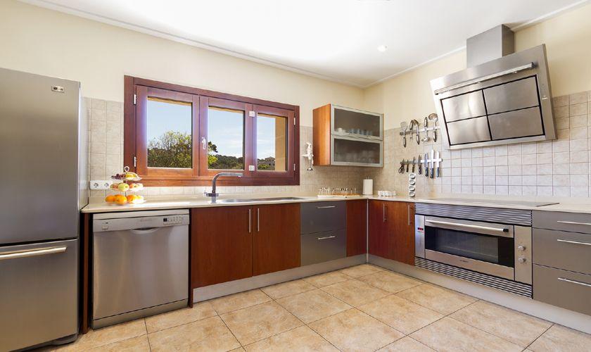 Küche Luxusvilla Mallorca Nordküste PM 3806
