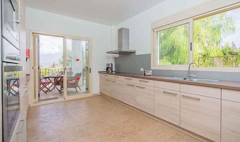 Küche Ferienvilla Mallorca Nordküste PM 3807