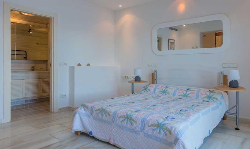 Schlafzimmer Villa Mallorca Nordküste Meerblick PM 3808