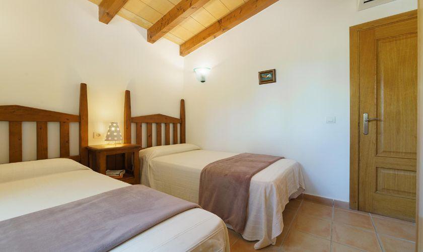 Schlafzimmer Finca Mallorca 4 Personen PM 3835