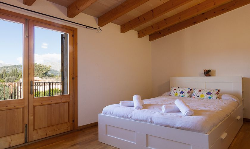 Schlafzimmer Ferienfinca Mallorca Pool PM 3841