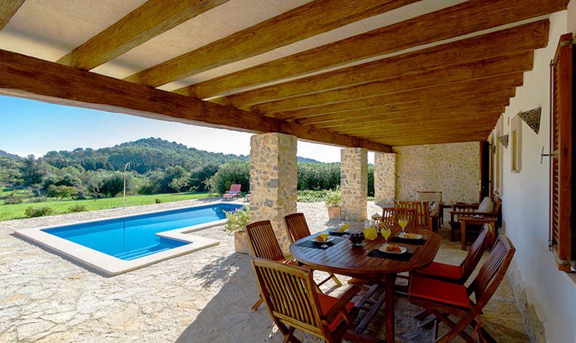 Überdachte Terrasse Ferienfinca Mallorca Norden PM 3844