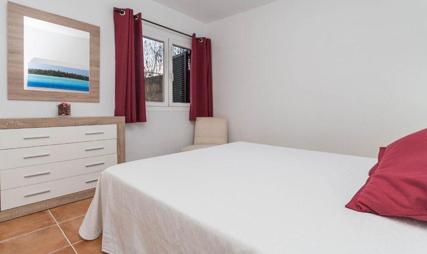 Schlafzimmer Finca Mallorca 4 Personen PM 3845