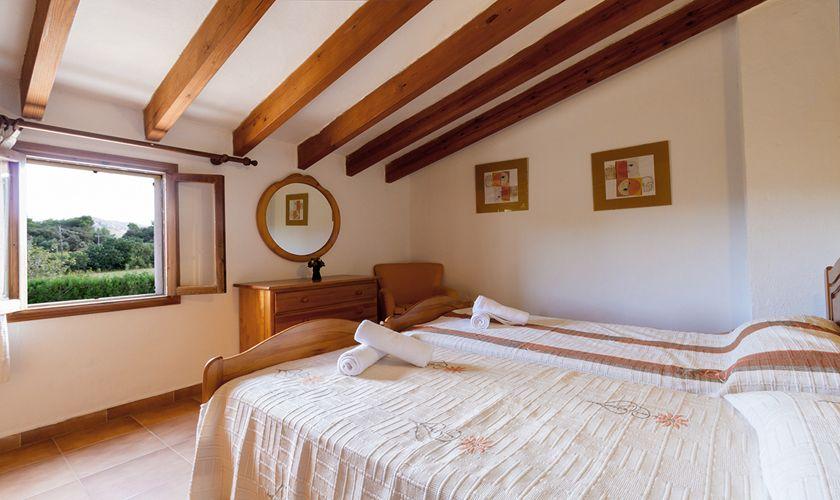 Schlafzimmer Finca Mallorca mit Pool PM 3846