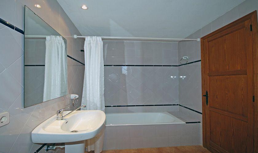 Badezimmer Finca Mallorca PM 384 für 10 Personen