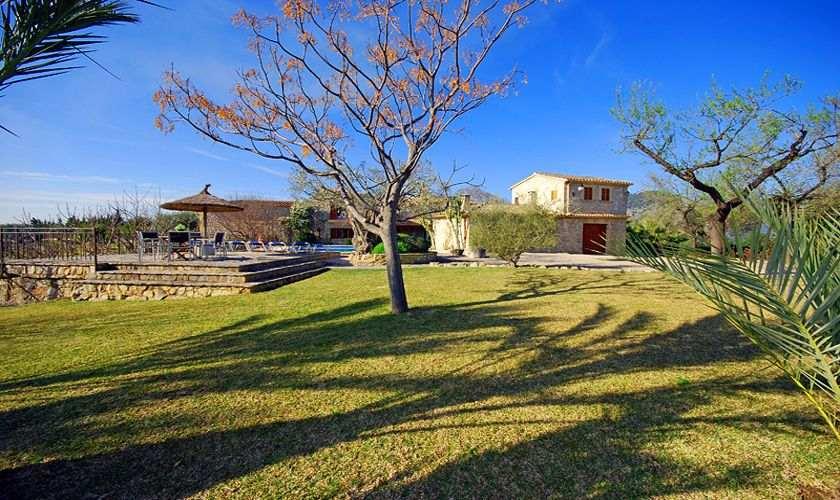 Blick auf die Finca Mallorca PM 384 für 10 Personen