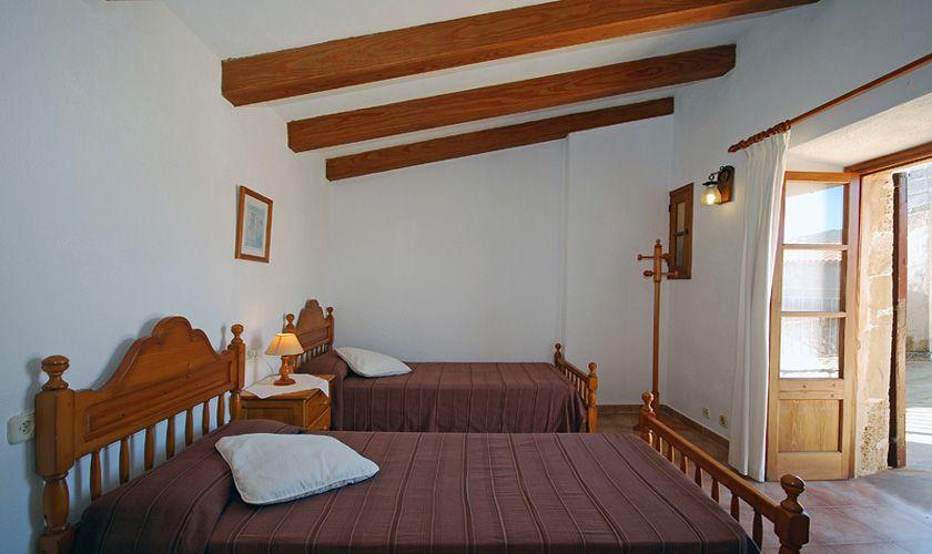 Schlafzimmer Finca Mallorca PM 384 für 10 Personen