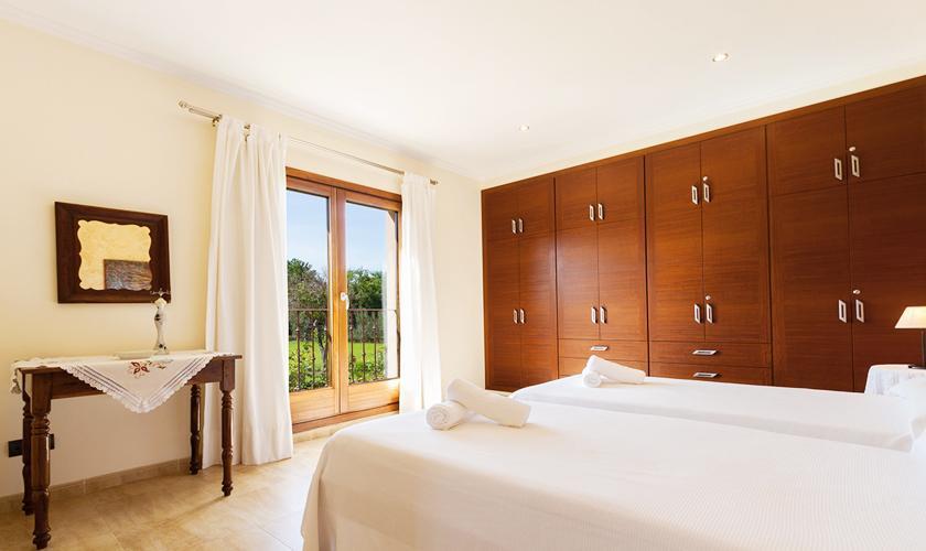 Schlafzimmer Finca Mallorca Norden PM 3860
