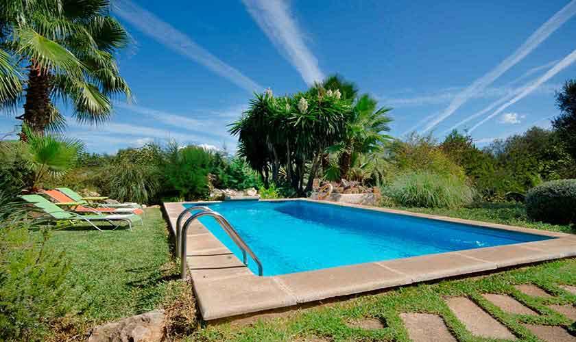 Pool und Rasen Mallorca Norden PM 3864