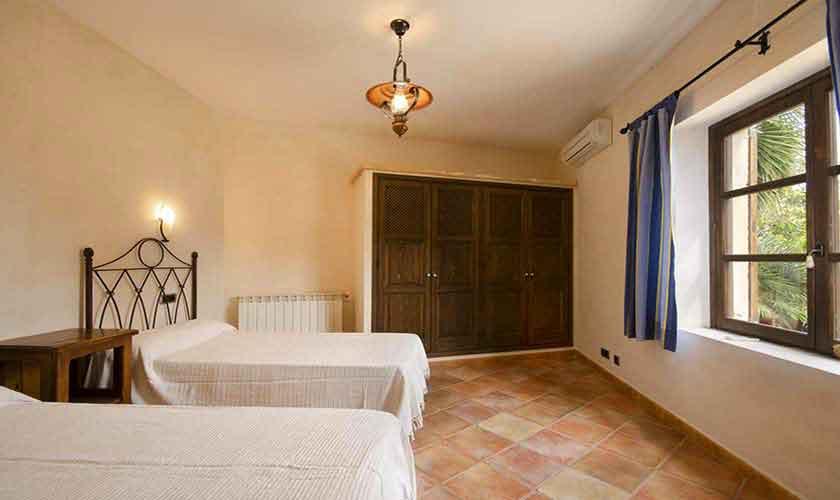 Schlafzimmer Ferienhaus Mallorca PM 3865
