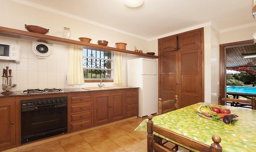 Küche Finca Mallorca mit Pool Pollensa PM 3891