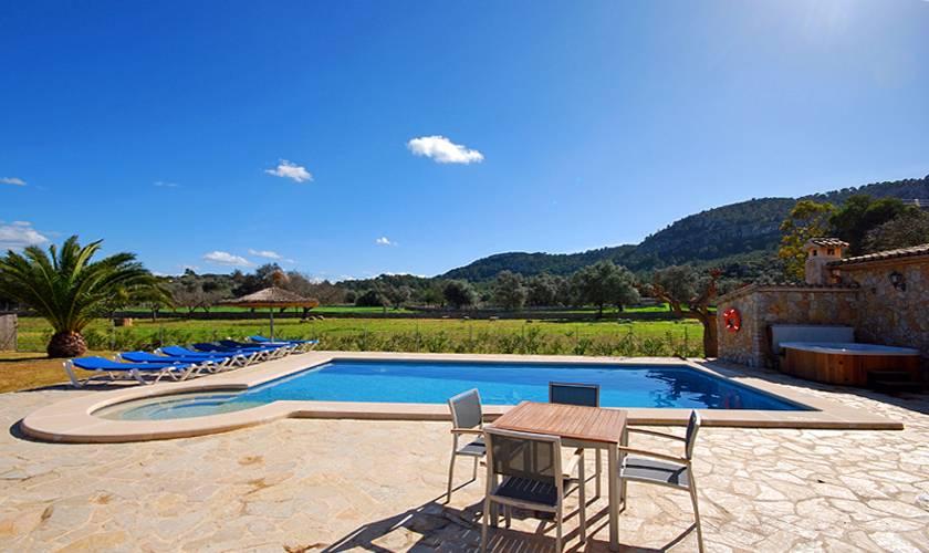 Poolblick Ferienfinca Mallorca für 8 Personen PM 398