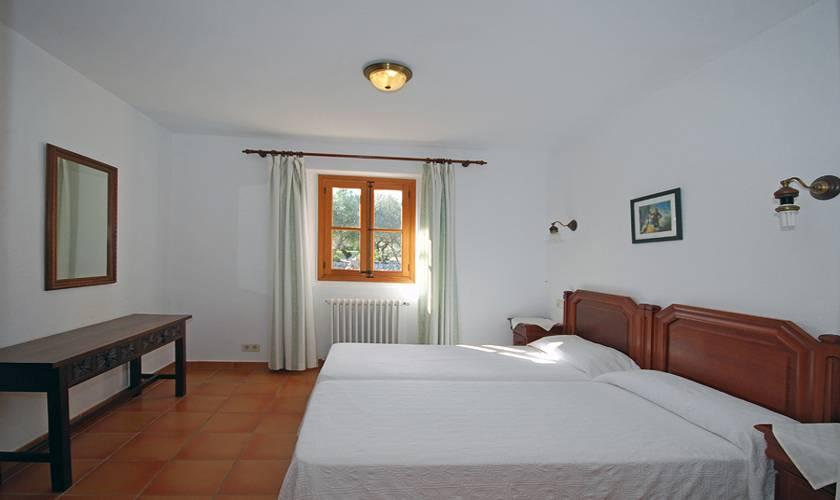 Schlafzimmer Finca Mallorca Pollenca für 8 Personen PM 398