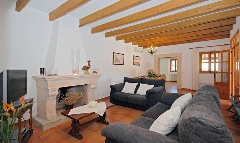 Wohnraum Finca Mallorca Norden für 8 Personen PM 398