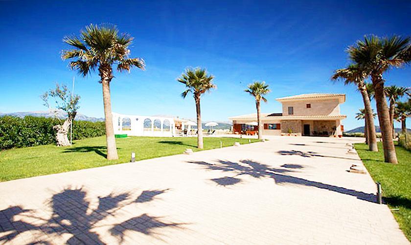Einfahrt Ferienvilla Mallorca Norden PM 4272