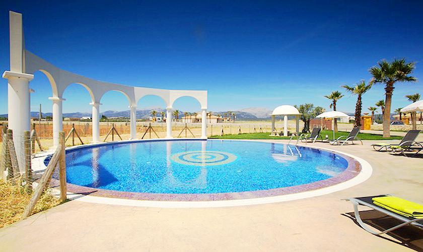 Pool der Ferienvilla Mallorca PM 4273