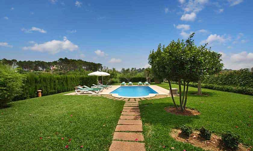 Pool und Rasen Finca Mallorca Norden 8 Personen PM 430