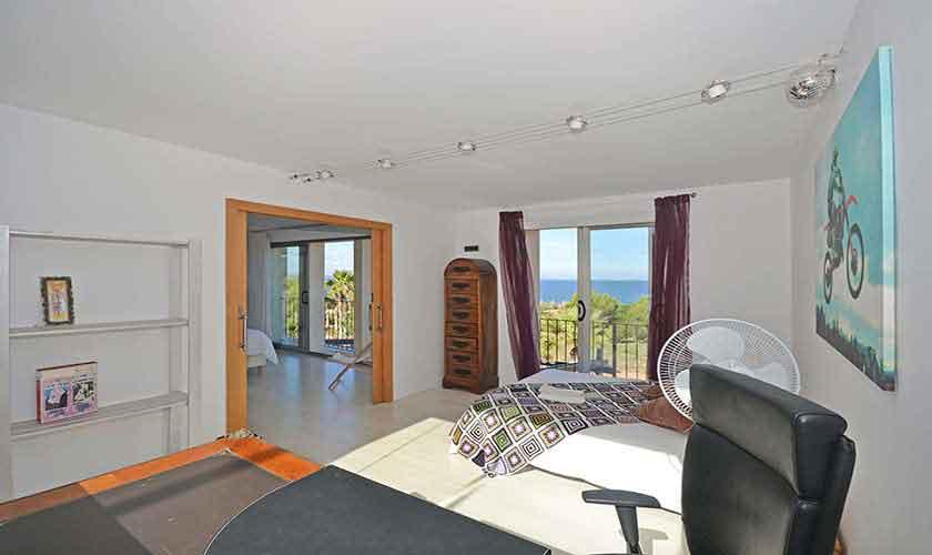 Schlafzimmer Ferienhaus Mallorca Nordküste PM 450