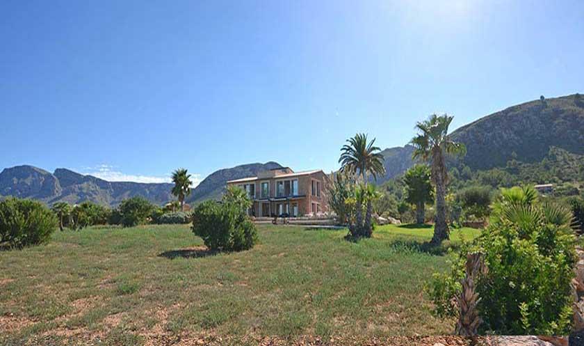 Blick auf die Villa Mallorca Nordküste PM 450