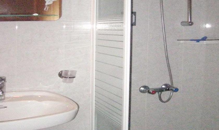 Dusche Ferienhaus Mallorca Nordküste PM 460