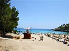 Strand im Ort bei der Ferienvilla Mallorca Ostküste PM 511