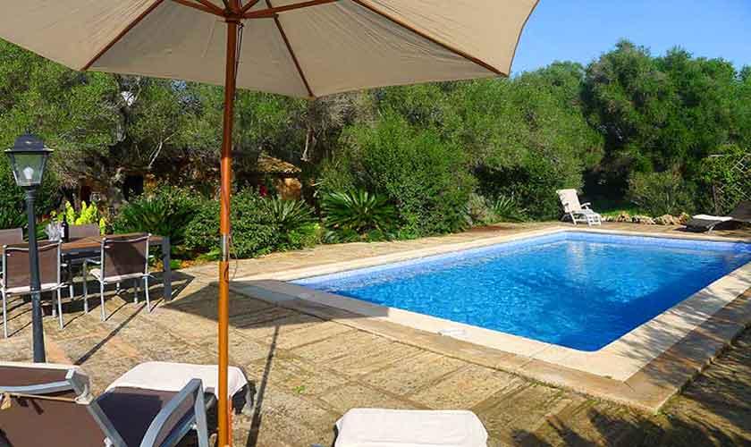 Pool und Terrasse Finca Mallorca Nordosten PM 5208