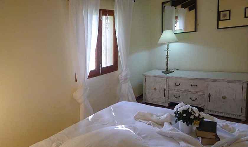 Schlafzimmer Ferienfinca Mallorca Nordosten PM 5208