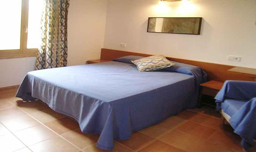 nordosten mallorca finca mit pool und klimaanlage f r 4. Black Bedroom Furniture Sets. Home Design Ideas